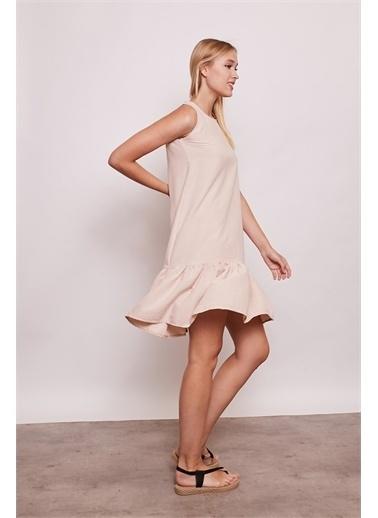 Jument İç Göstermez Viskon Poplin Geniş Sıfır Yaka Kolsuz Eteği Fırfırlı Elbise -Tarçın Bej